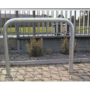 Absperrbügel  aus 76 mm Stahlrohr 1400 mm hoch ohne Knieholm zum Einbetonieren