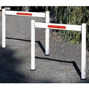 Wegesperre / Gattersperre Aluminium 70x70 mm herausnehmbar und drehbar ohne Knieholm 1500 mm Sperrbreite